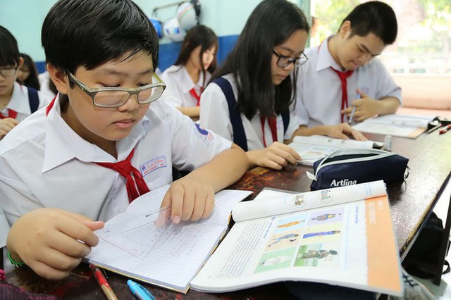 """Bộ GD-ĐT vừa lý giải về nghĩa của từ """"bắt buộc"""" trong quyết định đưa môn tiếng Hàn, Đức trở thành môn Ngoại ngữ 1 dạy từ lớp 3 đến 12 - Ảnh 2."""
