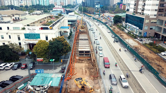 Tăng tốc thi công hầm chui đường bộ nút giao Lê Văn Lương - Khuất Duy Tiến - Ảnh 1.