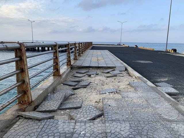 Công trình 250 tỷ chưa nghiệm thu đã thương tích đầy mình vì bão - Ảnh 11.