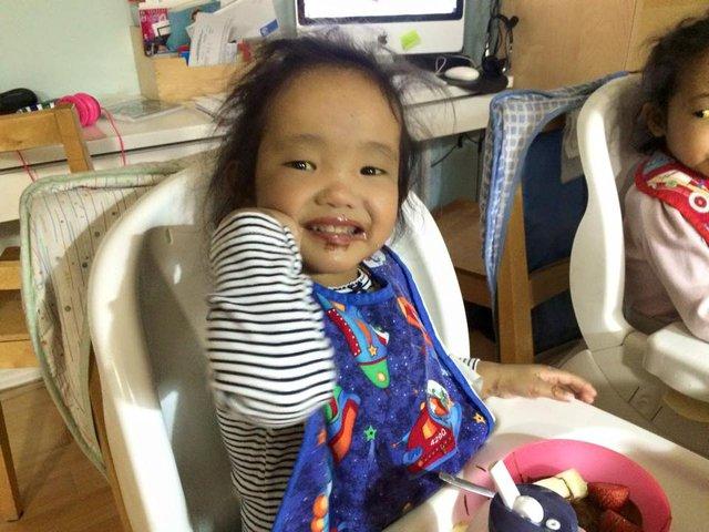 Ứa nước mắt nghe chuyện về cặp vợ chồng Canada tìm sự sống cho 2 con nuôi gốc Việt: Chuẩn bị sẵn hũ đựng tro cốt vì chẳng còn nhiều hy vọng nhưng rồi phép màu đã đến! - Ảnh 10.