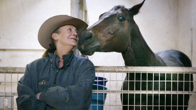 """Choáng ngợp với khối tài sản khủng của Alice Walton - """"công chúa"""" của gia tộc giàu nhất thế giới: Liên tục giữ vị trí người phụ nữ giàu nhất thế giới, đam mê cháy bỏng với nghệ thuật và nuôi ngựa - Ảnh 4."""