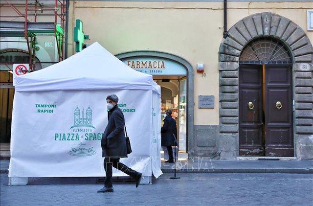 Italy, một năm dài trong biến cố đại dịch COVID-19  - Ảnh 1.