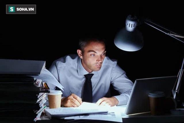 Người càng nhiều tuổi, càng nên tránh 3 công việc này, đặc biệt là từ sau tuổi 40 - Ảnh 1.