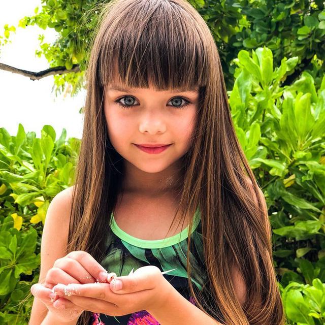 Cô bé người Nga được mệnh danh đẹp nhất thế giới 4 năm trước: Hiện tại vẫn gây sốt vì quá xinh đẹp, bất ngờ nhất là chuyện học hành - Ảnh 5.