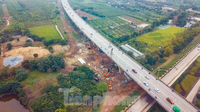 Cận cảnh đại công trường cầu Vĩnh Tuy 2 nghìn tỷ vượt sông Hồng - Ảnh 1.