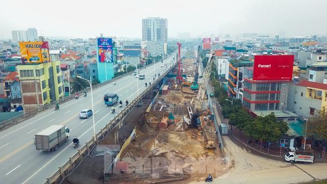 Cận cảnh đại công trường cầu Vĩnh Tuy 2 nghìn tỷ vượt sông Hồng - Ảnh 2.