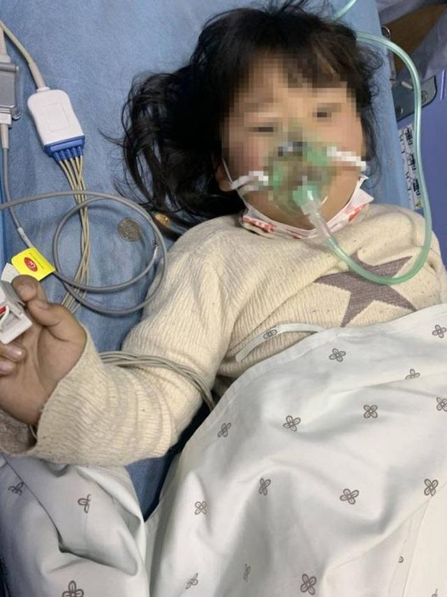 Bé gái 5 tuổi bị ngộ độc do ăn kim chi tự làm, cảnh báo bố mẹ những thực phẩm không nên cho trẻ ăn - Ảnh 1.