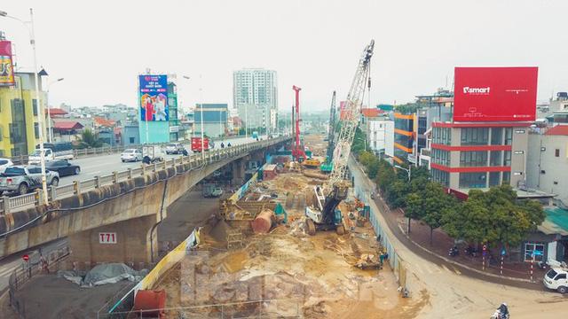 Cận cảnh đại công trường cầu Vĩnh Tuy 2 nghìn tỷ vượt sông Hồng - Ảnh 3.