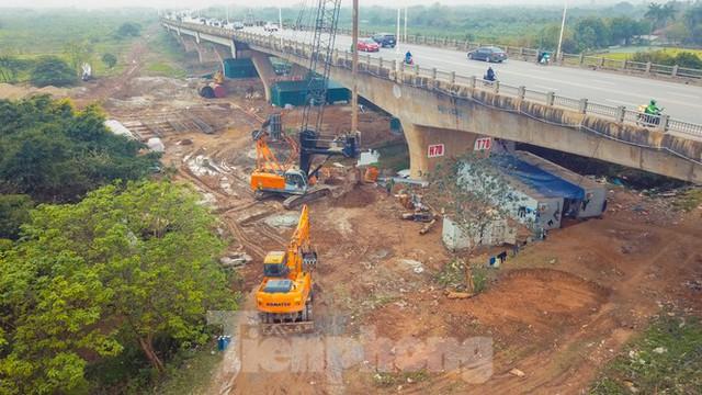 Cận cảnh đại công trường cầu Vĩnh Tuy 2 nghìn tỷ vượt sông Hồng - Ảnh 10.