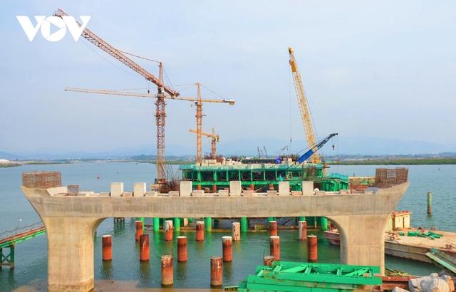 Quảng Ninh tăng tốc các dự án hạ tầng trọng điểm  - Ảnh 1.