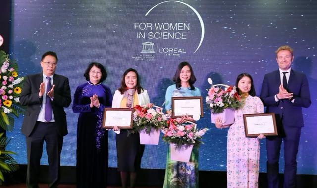 Việt Nam không thiếu những nhà khoa học nữ tài năng được vinh danh trên thế giới, thành tích xuất sắc còn có cơ hội ẵm ngay 150 triệu VNĐ - Ảnh 1.