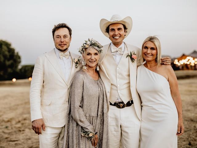 Người mẹ siêu phàm của tỷ phú Elon Musk: Tay trắng nuôi 3 con nhỏ sau khi ly hôn chồng vũ phũ, 72 tuổi vẫn phá đảo giới thời trang bằng phong cách sành điệu - Ảnh 4.