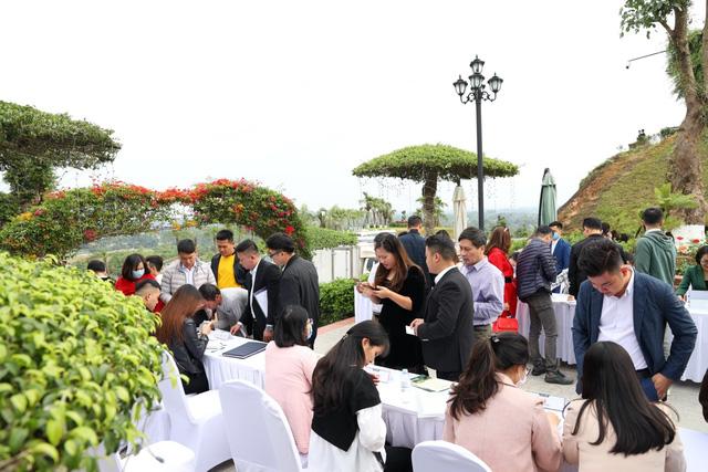 Bất động sản vùng ven Hà Nội hút dòng tiền đầu tư năm 2021 - Ảnh 1.