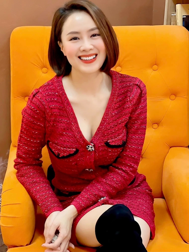 Đại tiểu thư nhà họ Cao đang gây bão màn ảnh Việt: Gương mặt vàng của VTV và các nhãn hàng, thành công từ diễn xuất đến đời thực nhưng cực kỳ kín tiếng chuyện riêng tư - Ảnh 4.