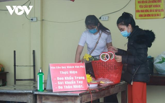 Chùa chiền ở Hà Nội được mở cửa trở lại và đảm bảo phòng chống dịch - Ảnh 2.