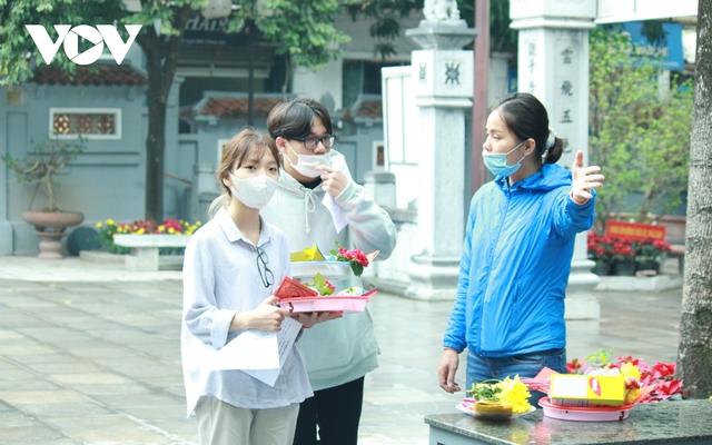 Chùa chiền ở Hà Nội được mở cửa trở lại và đảm bảo phòng chống dịch - Ảnh 11.