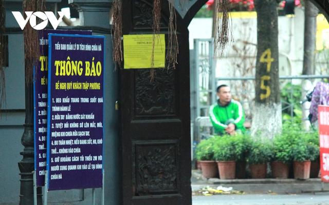Chùa chiền ở Hà Nội được mở cửa trở lại và đảm bảo phòng chống dịch - Ảnh 12.