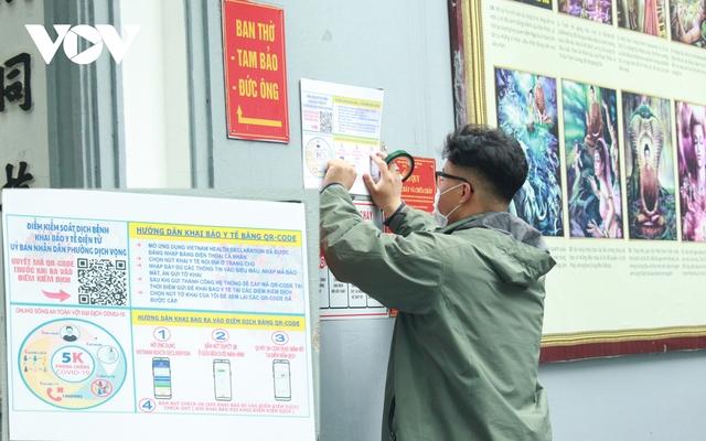 Chùa chiền ở Hà Nội được mở cửa trở lại và đảm bảo phòng chống dịch - Ảnh 13.