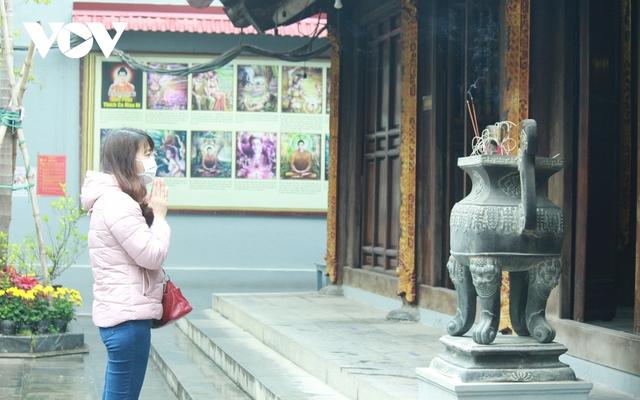 Chùa chiền ở Hà Nội được mở cửa trở lại và đảm bảo phòng chống dịch - Ảnh 14.