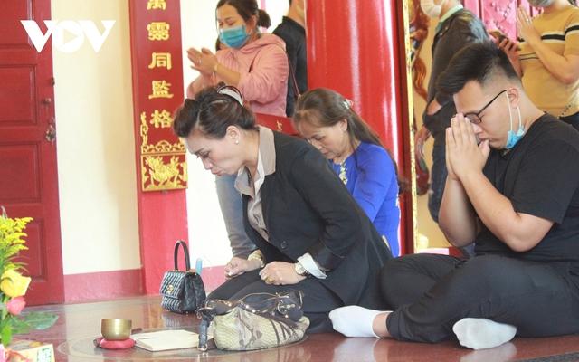 Chùa chiền ở Hà Nội được mở cửa trở lại và đảm bảo phòng chống dịch - Ảnh 16.