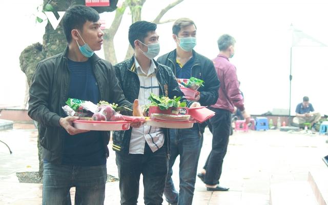 Chùa chiền ở Hà Nội được mở cửa trở lại và đảm bảo phòng chống dịch - Ảnh 17.