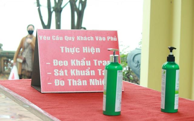 Chùa chiền ở Hà Nội được mở cửa trở lại và đảm bảo phòng chống dịch - Ảnh 3.