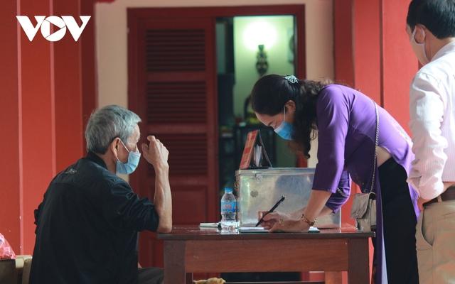 Chùa chiền ở Hà Nội được mở cửa trở lại và đảm bảo phòng chống dịch - Ảnh 5.