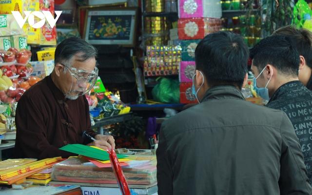Chùa chiền ở Hà Nội được mở cửa trở lại và đảm bảo phòng chống dịch - Ảnh 6.