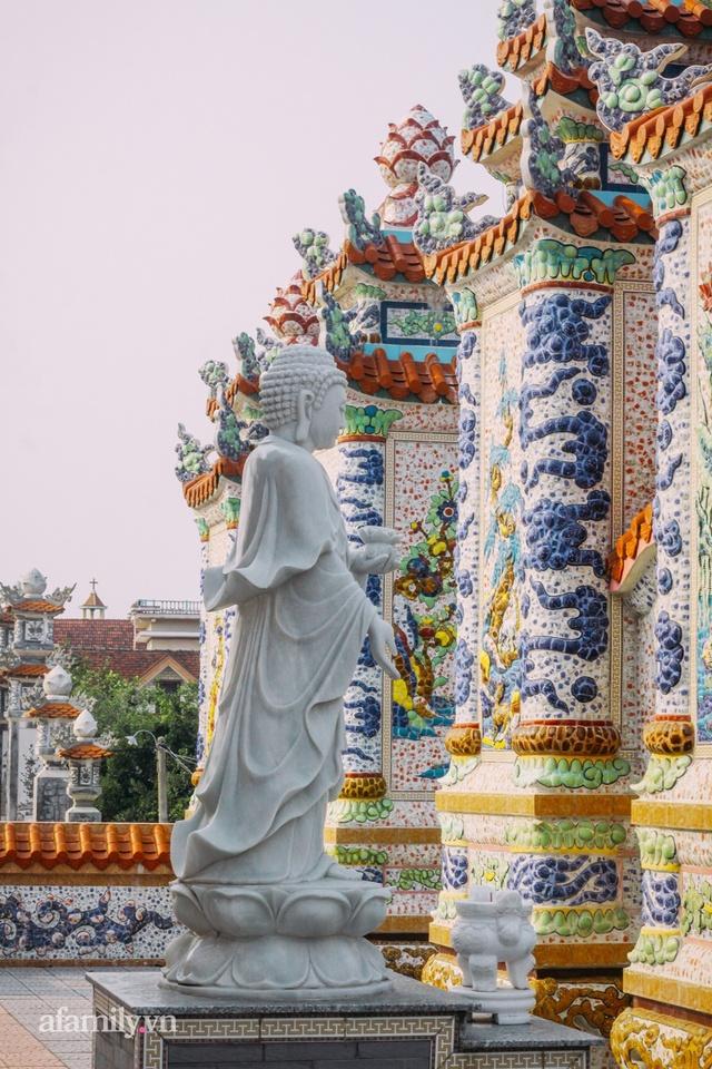 Chuyện về thành phố ma xa hoa kỳ bí ở Huế khiến cộng đồng mạng quốc tế trầm trồ, lăng mộ tiền tỷ chờ người đang sống, đến người chết cũng có thể giúp hái ra tiền - Ảnh 11.