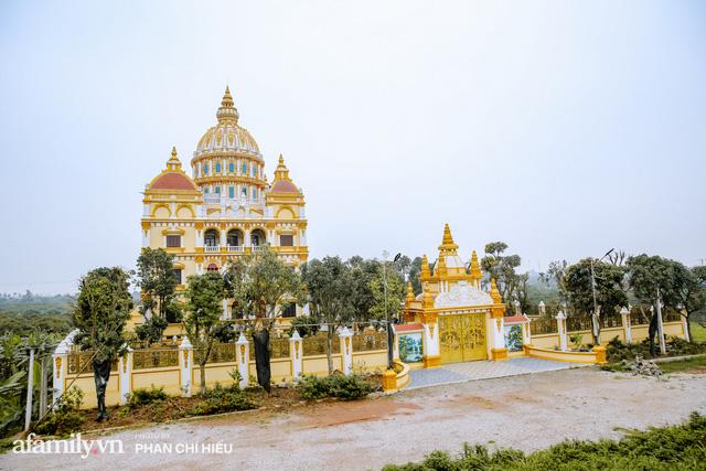 Đến thăm tòa lâu đài khủng nhất tỉnh Hưng Yên, vị đại gia nổi tiếng giản dị bật mí về giá trị thực sự của công trình làm nhiều người khó tưởng tượng - Ảnh 1.