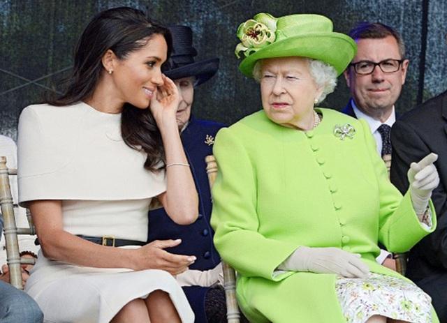 Chuyên gia tiết lộ hành động cao thượng của Nữ hoàng Anh dành cho Meghan khi ở hoàng gia nhưng nữ công tước đã bỏ lỡ vì quá tham vọng - Ảnh 1.