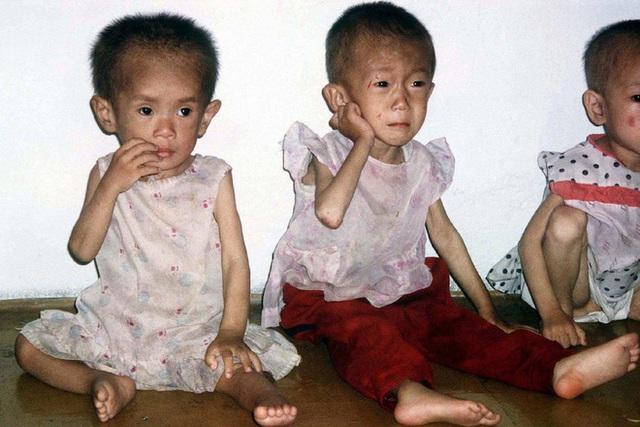 Ông Kim Jong Un so sánh tình hình Triều Tiên với nạn đói kinh hoàng khiến hàng triệu người chết - Ảnh 1.