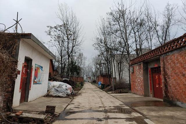 Một đám cưới nông thôn gây chấn động xã hội Trung Quốc - Ảnh 1.