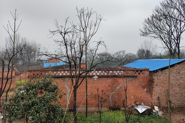 Một đám cưới nông thôn gây chấn động xã hội Trung Quốc - Ảnh 2.