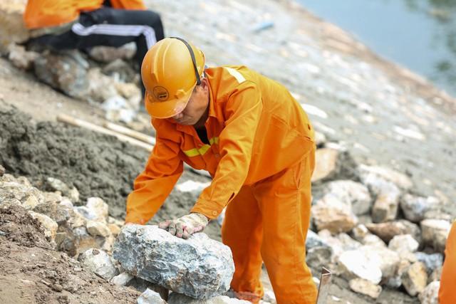 Hệ thống cống ngầm gom nước thải giải cứu sông Tô Lịch được lắp đặt ra sao?  - Ảnh 6.