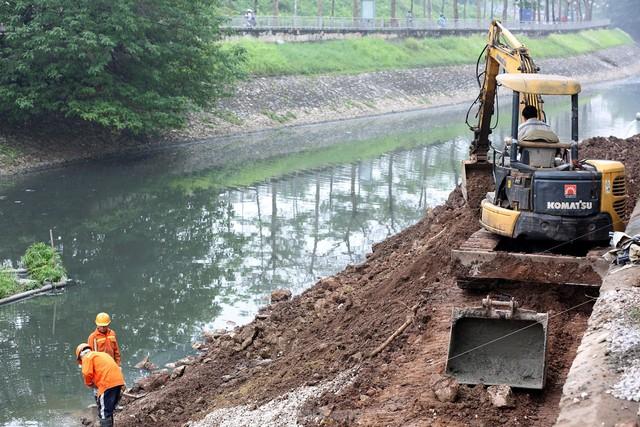 Hệ thống cống ngầm gom nước thải giải cứu sông Tô Lịch được lắp đặt ra sao?  - Ảnh 10.