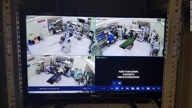 Lật tẩy những bác sĩ ma ở Hàn Quốc: Mất tiền, mất mạng trong những phòng phẫu thuật thẩm mỹ - Ảnh 2.