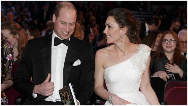 Động thái mới nhất của vợ chồng Công nương Kate sau sự ra đi của Hoàng tế Philip, không cần nói lời nào cũng đủ khiến nhiều người rơi nước mắt - Ảnh 2.