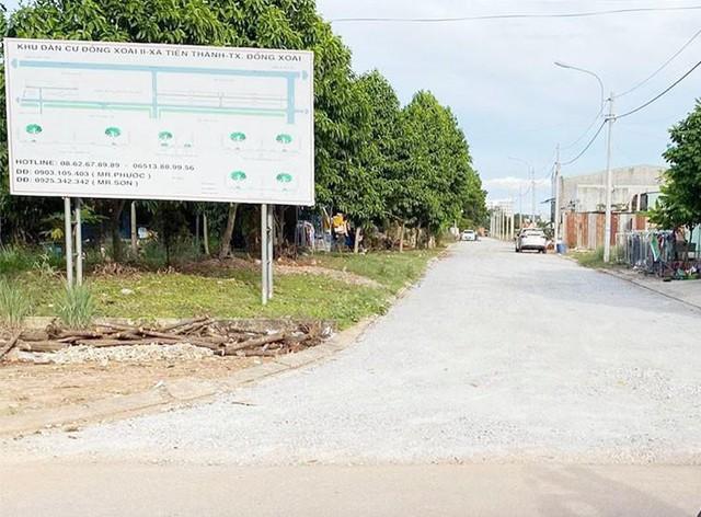 Khu dân cư giao đất không đấu giá bị 'tuýt còi', dân mua nhà 4 năm chưa có sổ  - Ảnh 1.