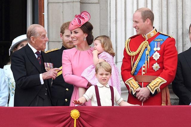 Động thái mới nhất của vợ chồng Công nương Kate sau sự ra đi của Hoàng tế Philip, không cần nói lời nào cũng đủ khiến nhiều người rơi nước mắt - Ảnh 3.