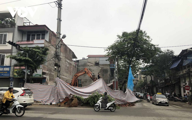 Cận cảnh căn nhà 3 tầng đổ sập trong đêm ở Lào Cai - Ảnh 5.