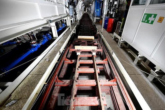 Cận cảnh rô-bốt đào hầm metro vận hành trong lòng đất  - Ảnh 4.