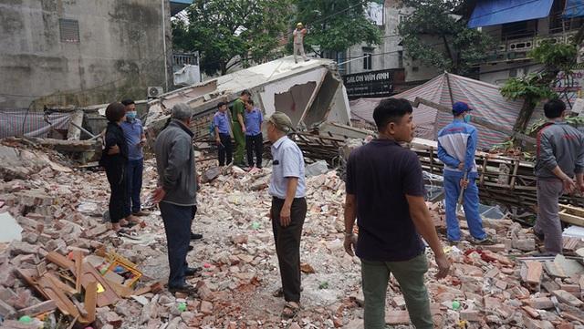 Cận cảnh căn nhà 3 tầng đổ sập trong đêm ở Lào Cai - Ảnh 6.