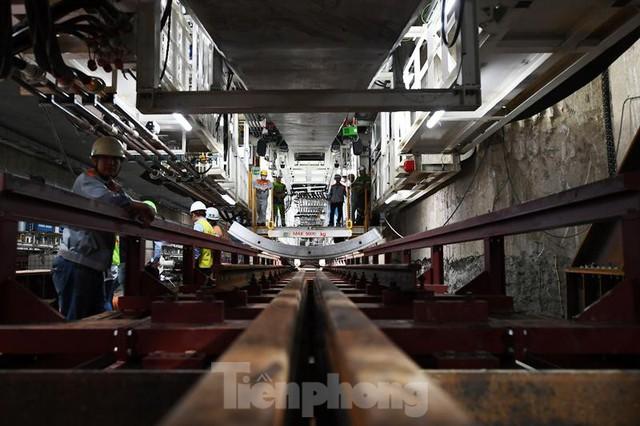 Cận cảnh rô-bốt đào hầm metro vận hành trong lòng đất  - Ảnh 5.