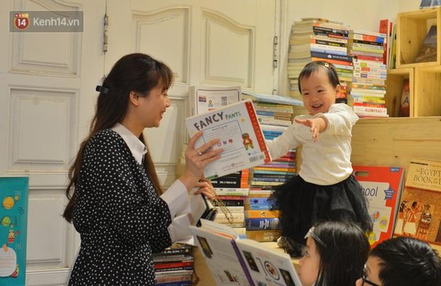 Người đàn ông đi hơn 50 quốc gia, mở thư viện sách miễn phí ở Hà Nội: Nhìn các con thích đọc sách hơn cầm điện thoại là vui rồi - Ảnh 7.