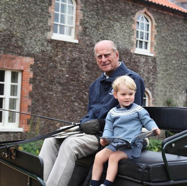 Hoàng tử William và em trai Harry cùng nhau lên tiếng về sự ra đi của Hoàng tế Philip - Ảnh 1.