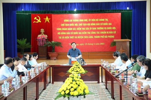 Chủ tịch Quốc hội Vương Đình Huệ kiểm tra công tác bầu cử tại Hải Phòng  - Ảnh 1.