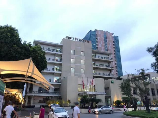 NÓNG: Gần 200 cán bộ, nhân viên Bệnh viện Bạch Mai xin nghỉ việc  - Ảnh 1.