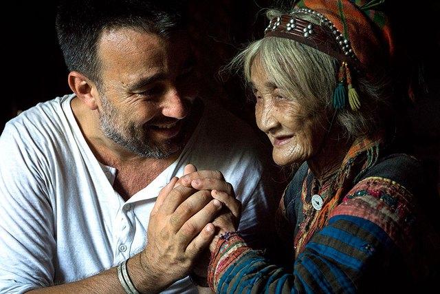 Nhiếp ảnh gia người Pháp gây sốt với 10 năm theo đuổi hành trình bảo tồn nét văn hóa 54 dân tộc Việt Nam qua ảnh - Ảnh 6.