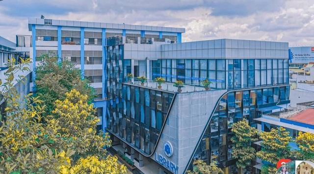 Thư viện trường người ta: Được đầu tư lên đến 20 tỷ, 10.000 đầu sách tha hồ học tập nghiên cứu, không gian đẹp ngỡ như khách sạn 5 sao - Ảnh 2.